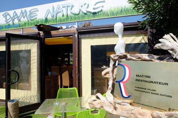 Restaurant dame nature le bio avec brio - Restaurant port de saint laurent du var ...