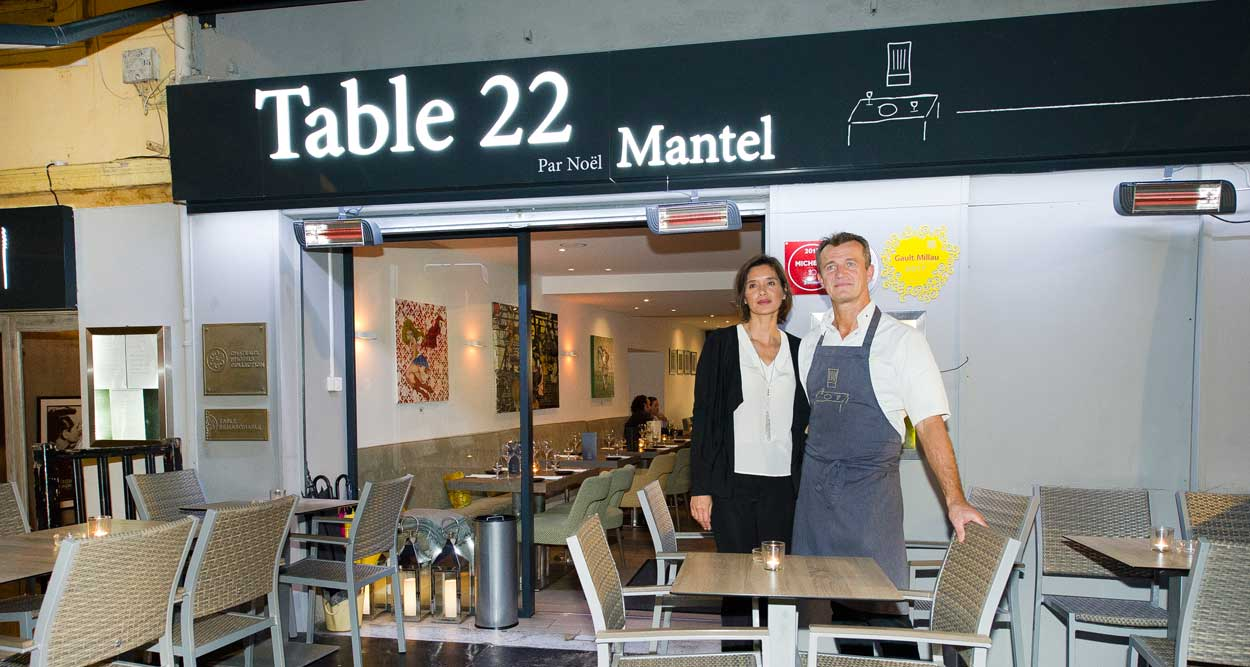 table 22 noel mantel cannes