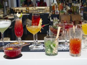 elles cocktail bar martinez