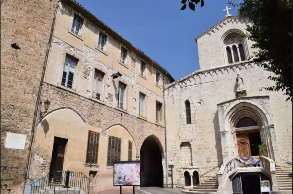 crèche provençale mairie grasse